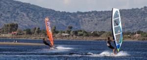 Windsurfing, kite & sup surfing στο Διόνι (Αιτωλοακαρνανία - Κατοχή). Οργανωμένες παραλίες & πίστες στην Ελλάδα, spots, εξοπλισμός